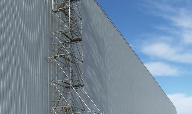 Alsina SIP implanta una Escalera de Acceso en la Sede Logistíca IKEA – Valls